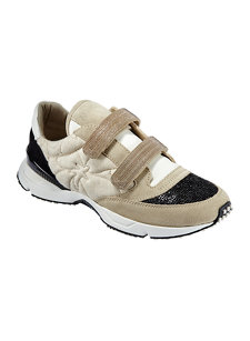 look 3 sneaker